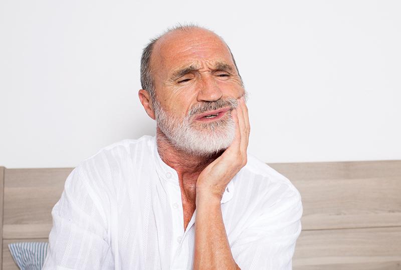 Docteur-Albert-Pinto-douleur-gencives